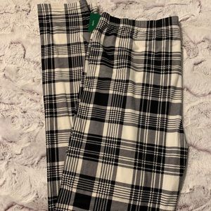 f266a50691 Women Plus Size Plaid Leggings on Poshmark